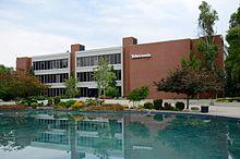 Tektronix_HQ_in_Beaverton,_Oregon_-_Building_50